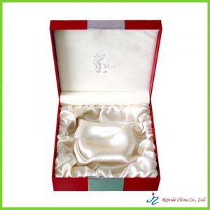 Rigid paper cosmetic box