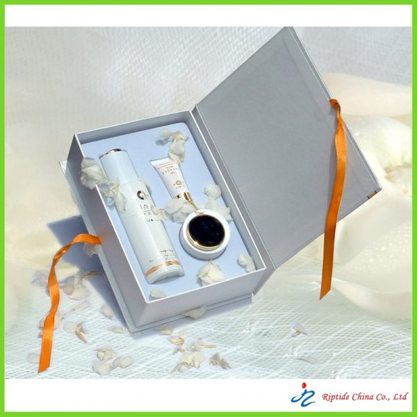 Rigid paper cosmetic packaging box