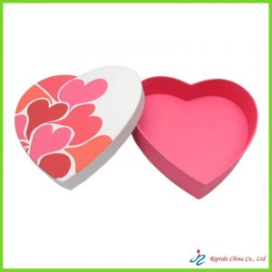 Heart shaped cosmetic box