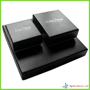 Rigid cardboard jewellery boxes