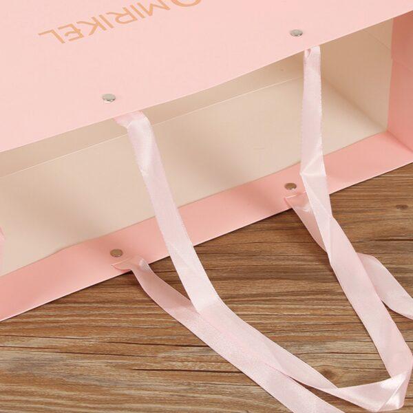 apparel bag 10